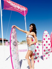 Victoria\'s Secret beach party with Sara Sampaio