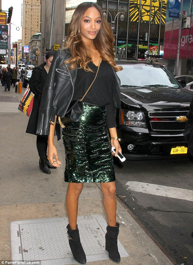 Jourdan Dunn stops traffic in chic outfit