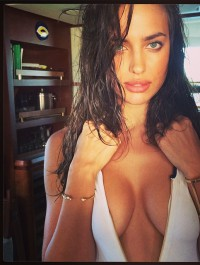 Irina Shayk shows off her dangerous curves