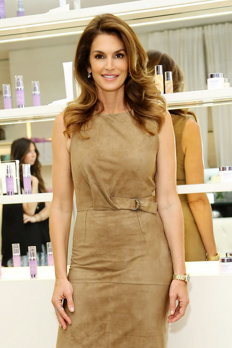 Cindy Crawford to release a new book