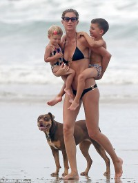 Gisele Bundchen spends family time