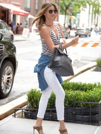 Miranda Kerr turns heads in casual chic ensemble