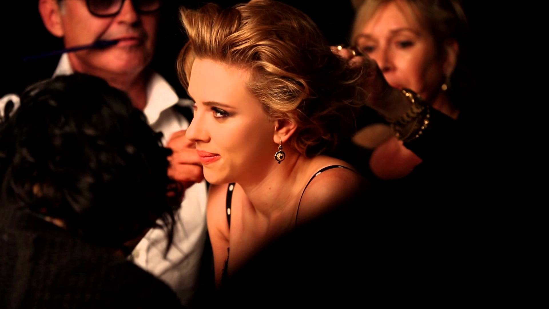 Scarlett Johansson fronts Dolce & Gabbana�s �Perfect Mono� eyeshadow campaign