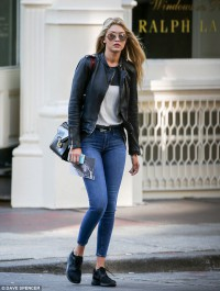Gigi Hadid hits the streets of New York in stylish ensemble