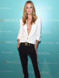 Rosie Huntington-Whiteley dazzles in chic ensemble at Moroccanoil launch event