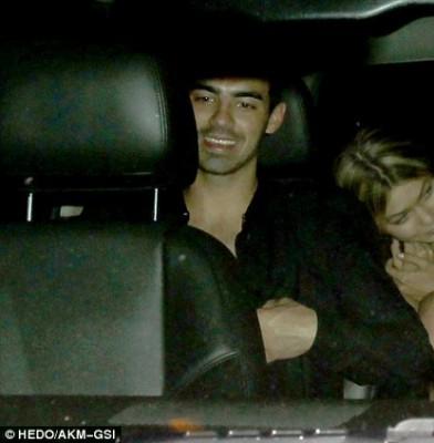 Gigi Hadid and Joe Jonas add fuel to dating rumors after Kings of Leon concert