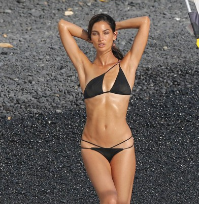 Lily Aldridge sizzles during VS photoshoot in Hawaii