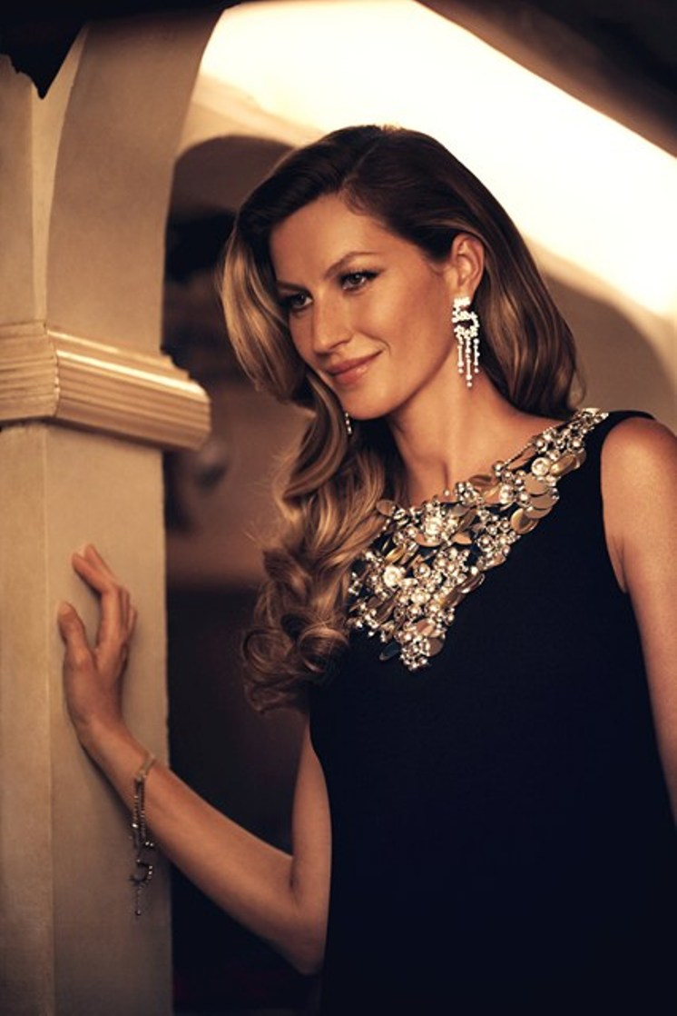 Gisele Bundchen\'s Dazzling Chanel No. 5 Commercial Arrives
