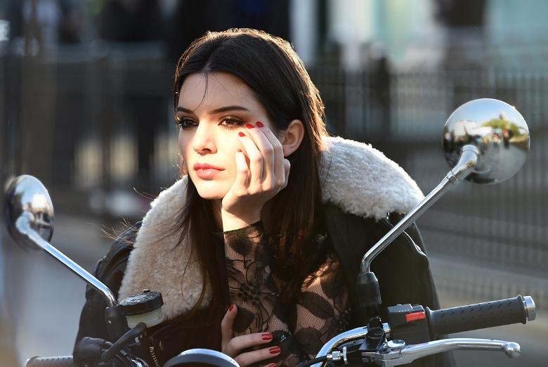 Kendall Jenner Is Estee Lauder\'s New Girl
