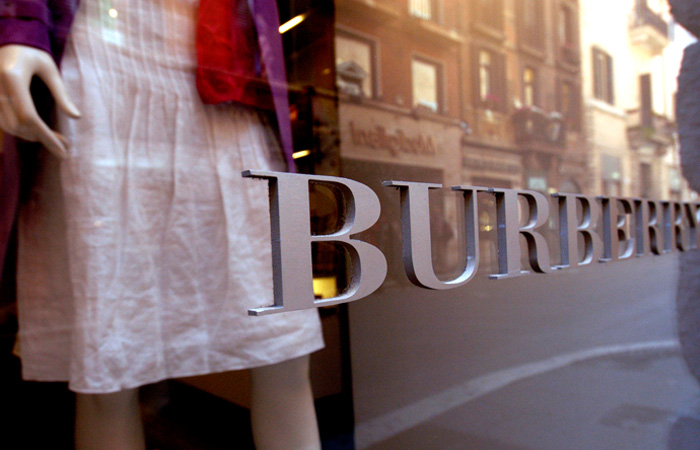 Burberry profit drops amidst difficult luxury surroundings