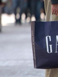 Gap\'s Sales Slip, Reshuffles Management