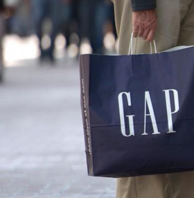 Gap Sales Slide; company braces for more streamlining