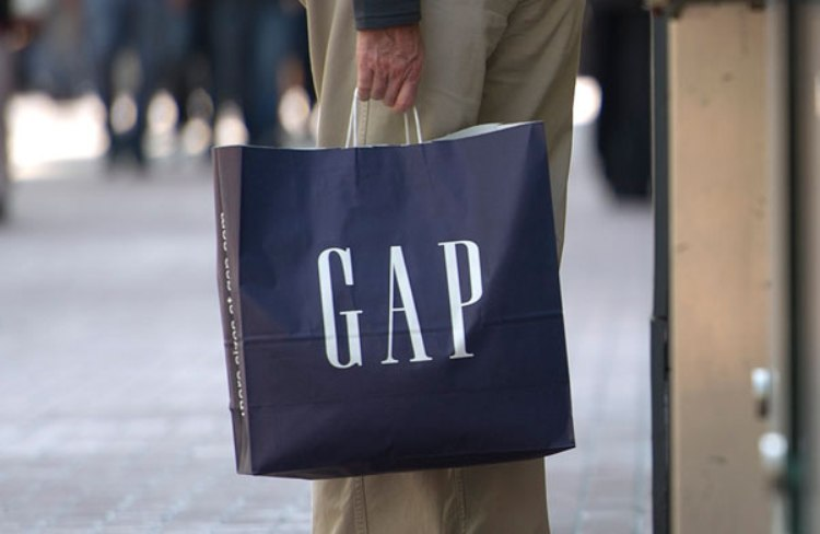 Gap Sales Slide; company braces for more streamlining