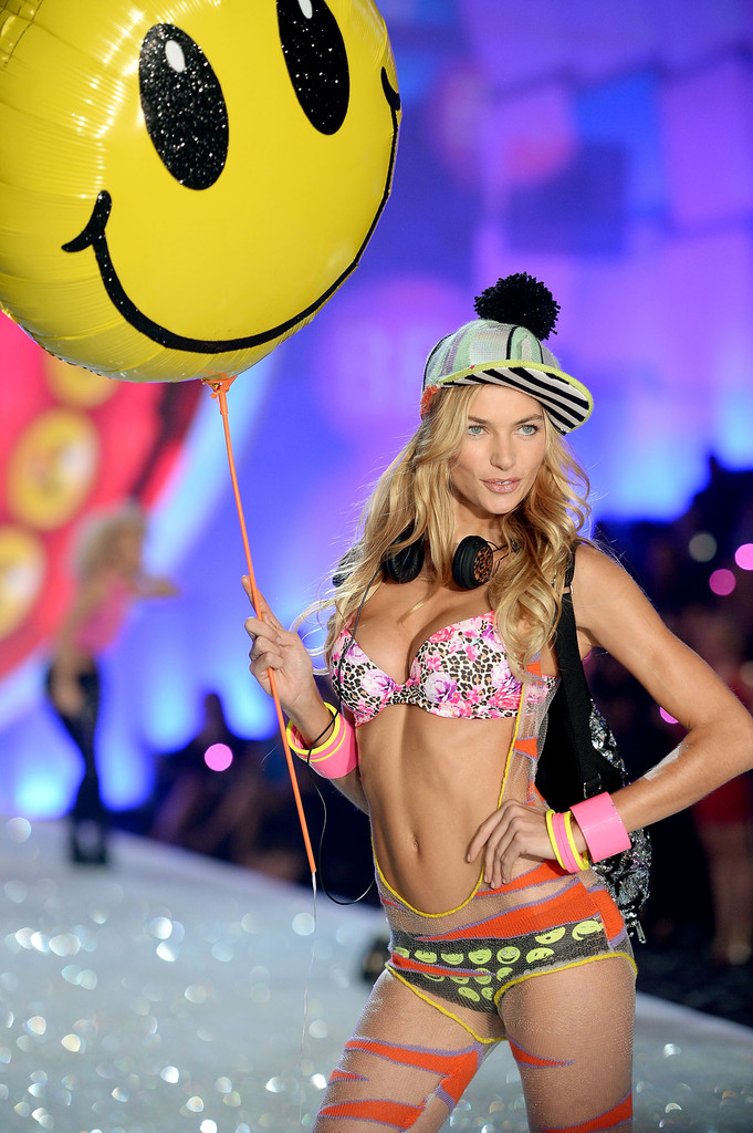 Did Jessica Hart\'s Taylor Swift diss cost her a spot in this year\'s VSFS?