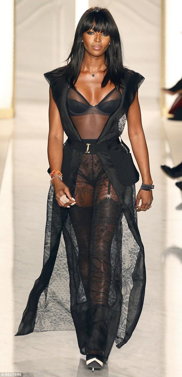 Naomi Campbell closes La Perla Atelier show
