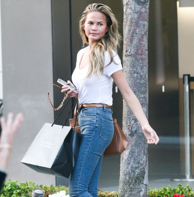 Casually-clad Chrissy Teigen hits the shops with her mom
