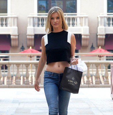 Joanna Krupa shows off new do and midriff during LA outing