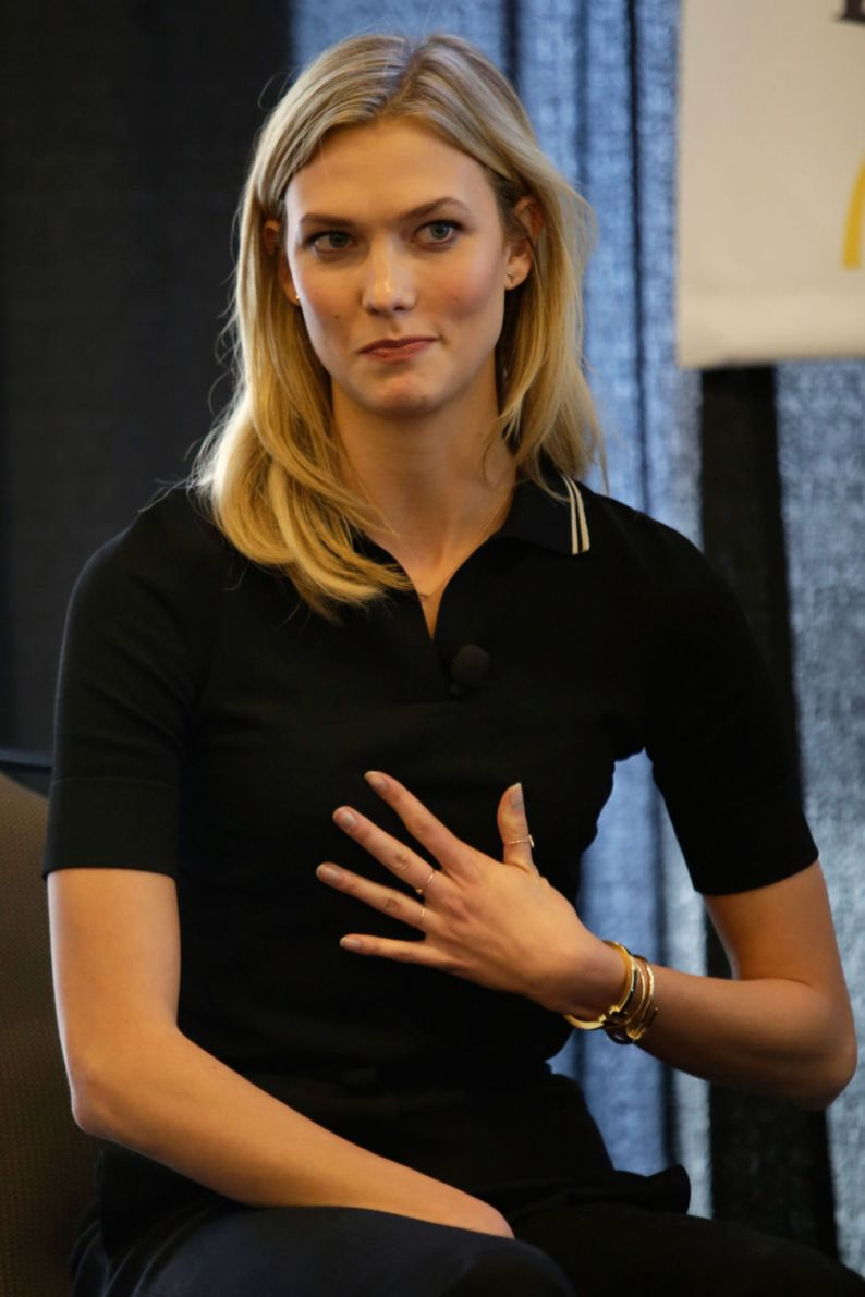Karlie Kloss shows off her nerdy side at SXSW festival