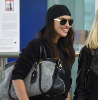 Irina Shayk takes flight in casual all black outfit