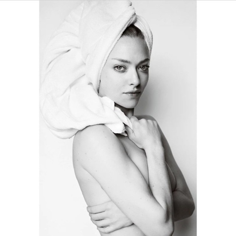 Amanda Seyfried Goes Topless for Mario Testino\'s Towel Series