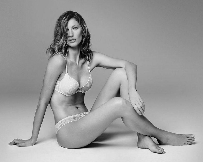 Stars Supermodel Gisele Nude Gif
