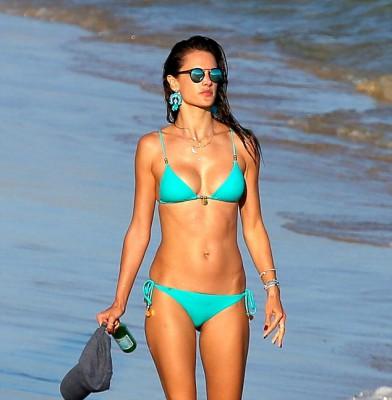 Alessandra Ambrosio shows off her bikini body in Brazil