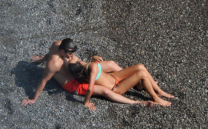 Irina Shayk & Bradley Cooper Display Sexy Beach PDA