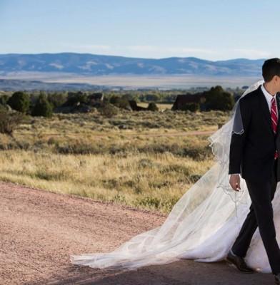 Allison Williams Marries In Oscar De La Renta Wedding Dress
