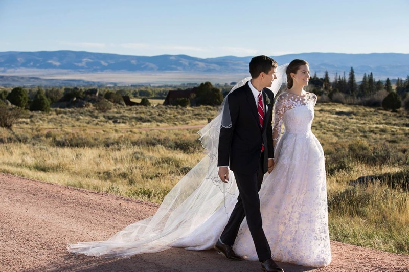 Allison Williams Marries In Oscar De La Renta Wedding Dress