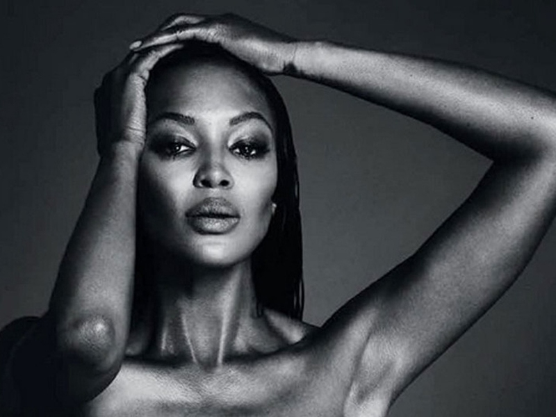 Naomi Campbell\'s topless photo removed from Instagram