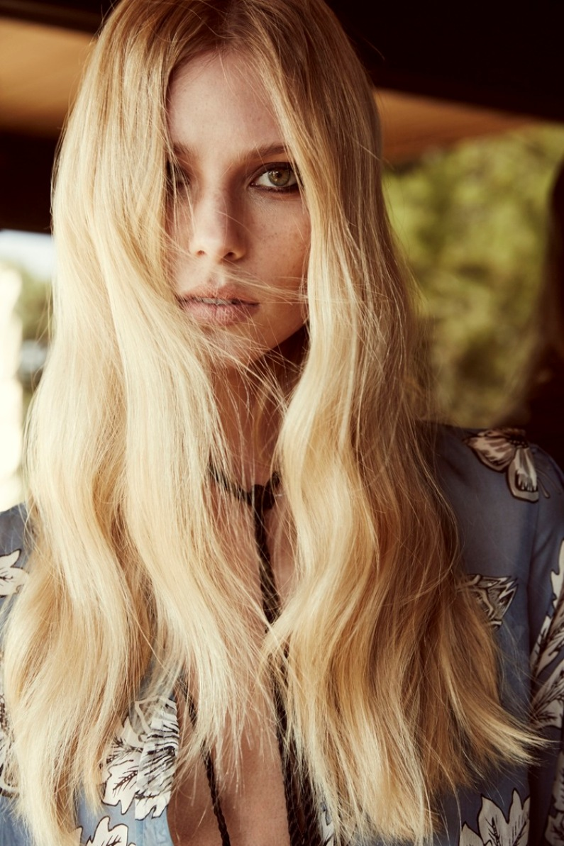 Vika Falileeva Is A 70s Vision In For Love & Lemons Holiday Lookbook