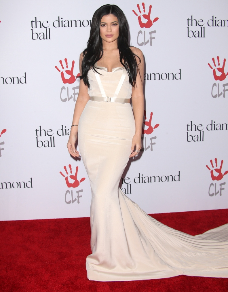 Kylie Jenner Wows At Rihanna\'s Diamond Ball