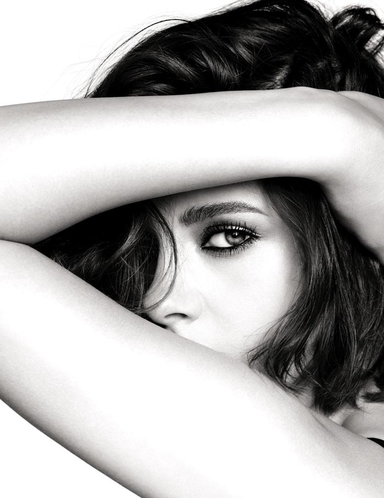 Kristen Stewart Stars In Chanel\'s New Beauty Campaign