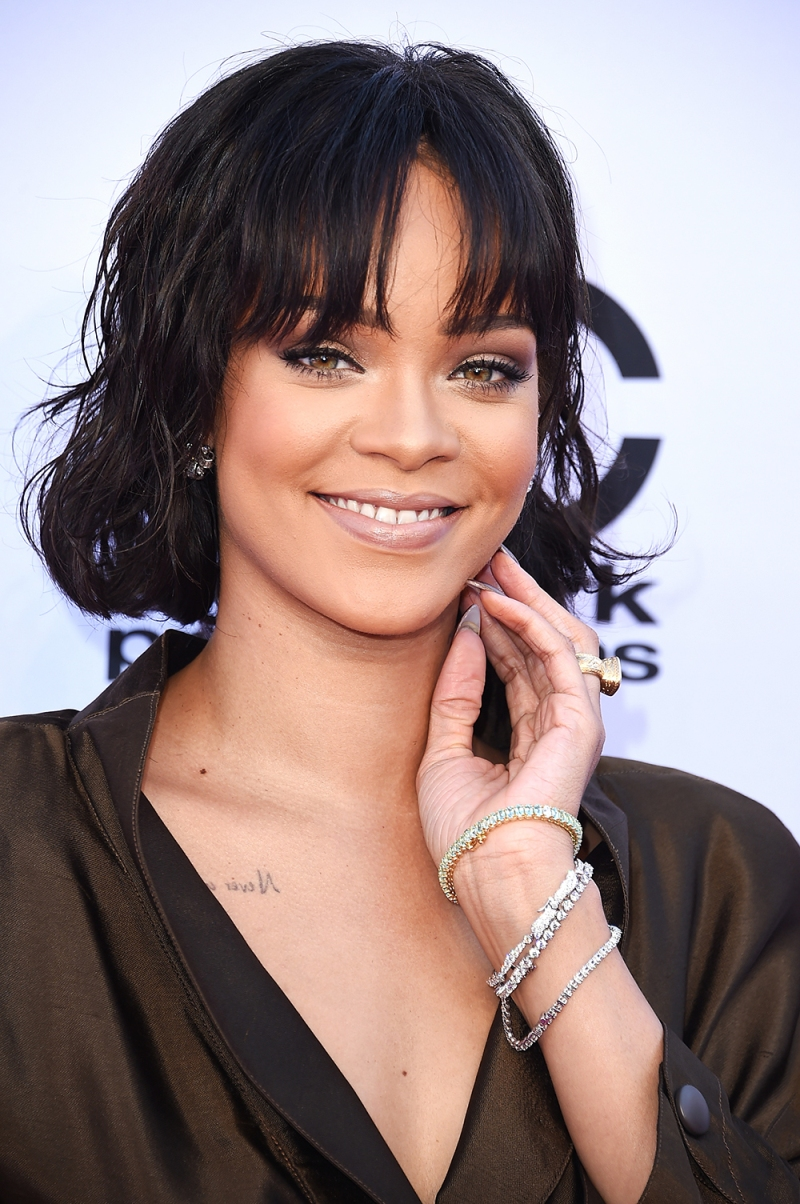 Rihanna And Dior Collaborate on Sunglass Collection | News ... Rihanna