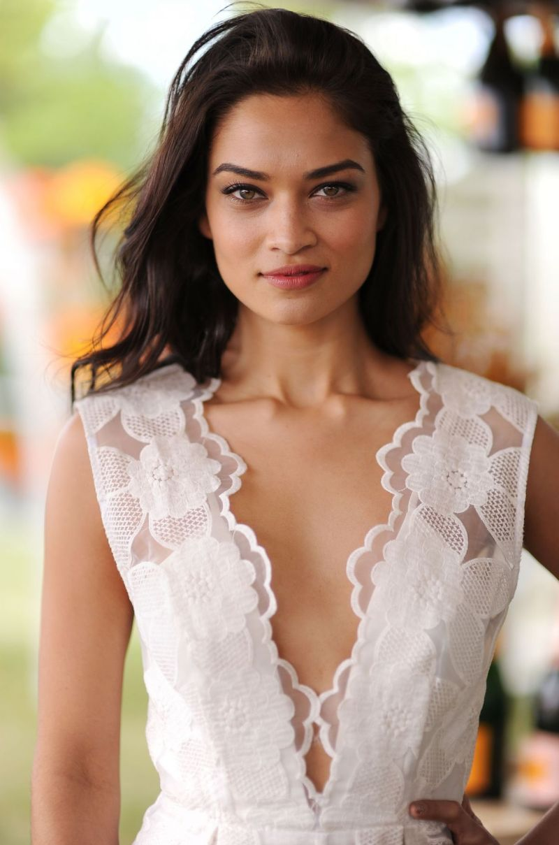 Shanina Shaik To Walk For Oscar de la Renta During MBFWA