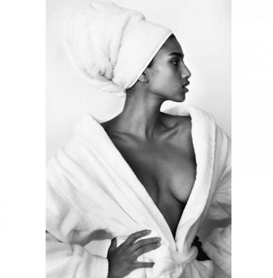 Imaan Hammam Joins Mario Testino\'s \'Towel Series\'