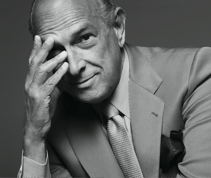 Oscar de la Renta graces US stamps