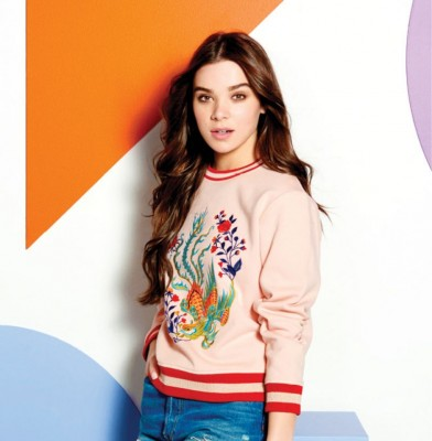 Hailee Steinfeld stars in Reef Escape\'s  SS \'17 Campaign