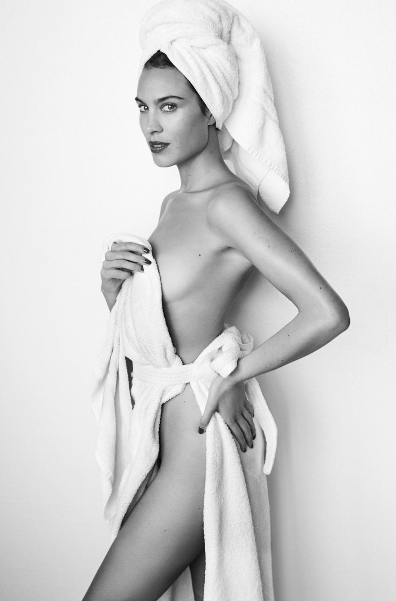 Alexa Chung Poses for Mario Testino\'s Towel Series