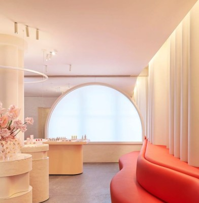 Glossier opens first boutique in New York