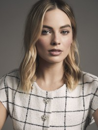 Margot Robbie is Chanel\'s New Fragrance Ambassador