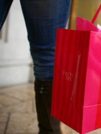 Victoria\'s Secret opens first store in Paris