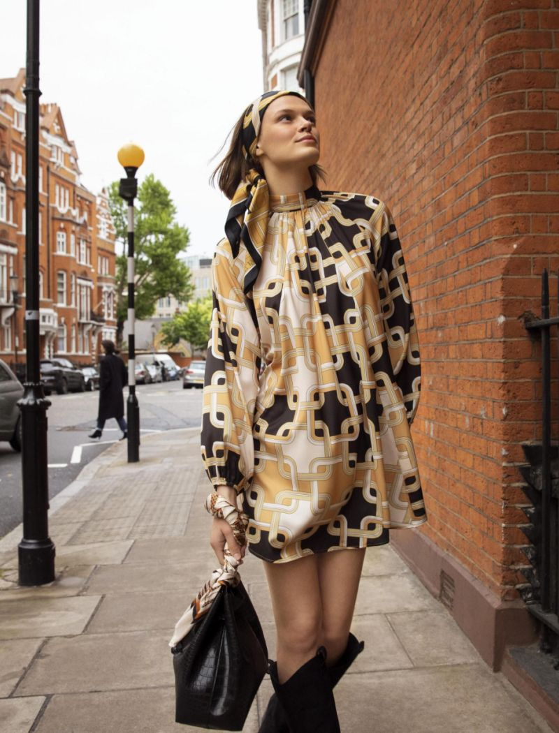 H&M revives Spirit of Swinging Sixties with Designer Collection