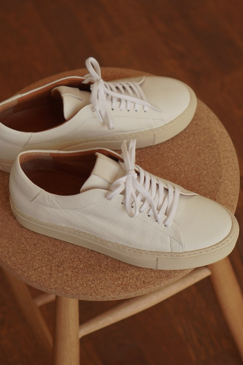 "Swedish label ""Flattered"" launches sustainable sneakers"