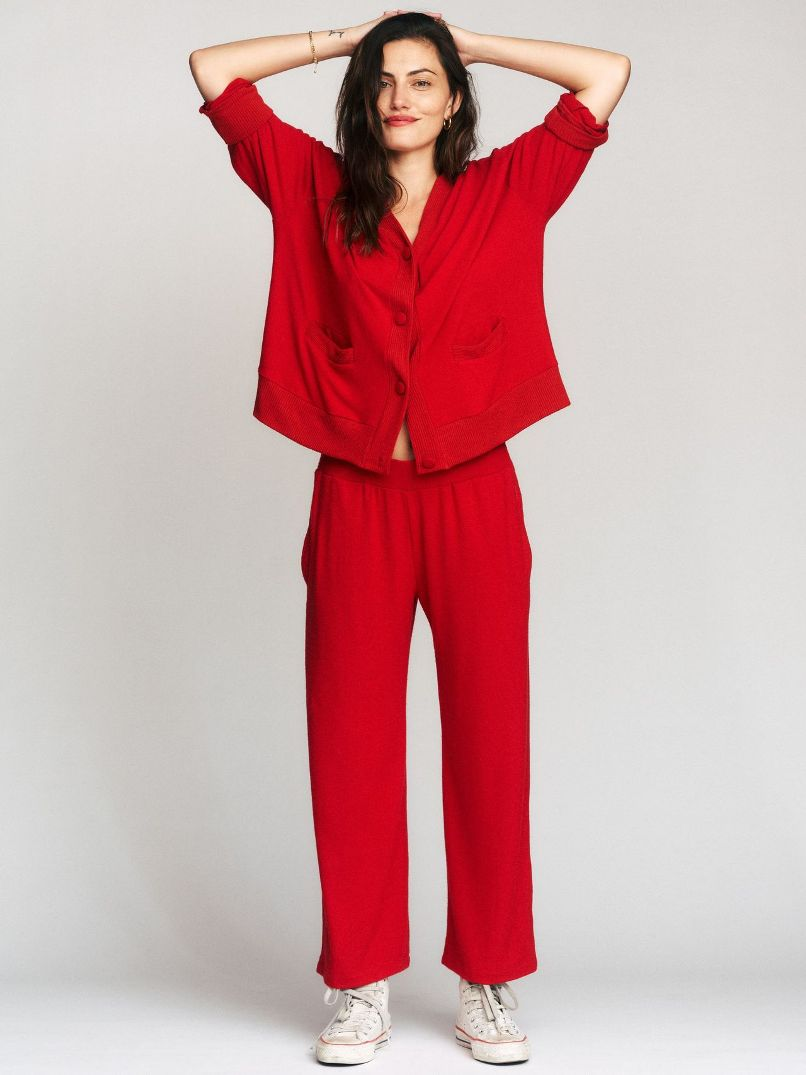 Phoebe Tonkin Launches Lesjour!, a Sustainable loungewear brand