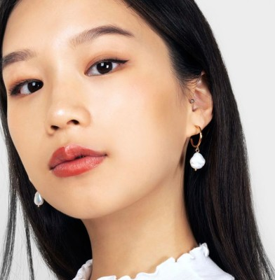 Three Perfect Pearl Drop Earrings Styles for the Summer