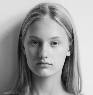 Model of the Week: Cassandra van der Stelt